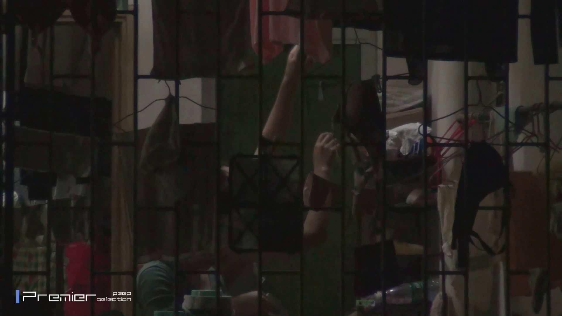 アダルトエロ動画|美女の痴態に密着!洗濯物を干す女 Vol.07|怪盗ジョーカー