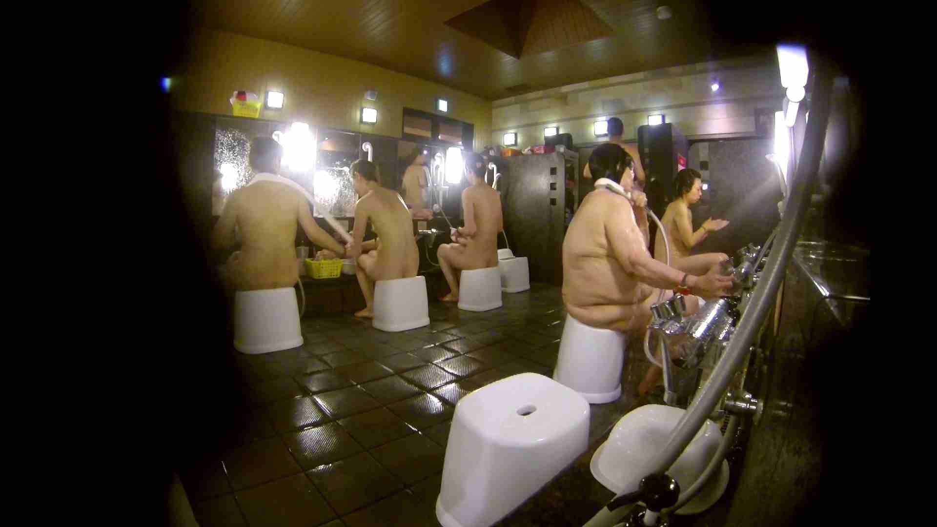 アダルトエロ動画|追い撮り!脱衣~洗い場、徹底追跡!撮り師さんに拍手!!|怪盗ジョーカー