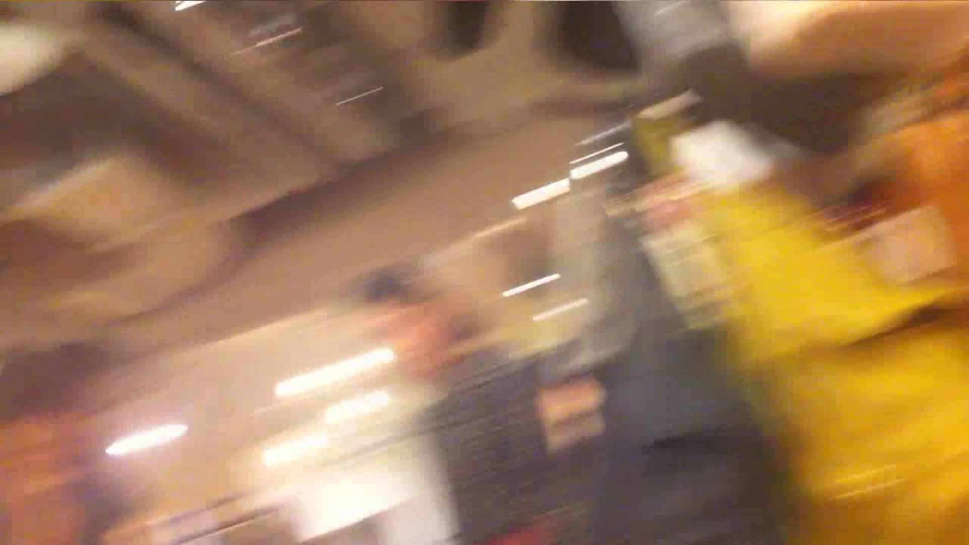 アダルトエロ動画|vol.34 美人アパレル胸チラ&パンチラ メガネ属性っていいよね♥|のぞき本舗 中村屋