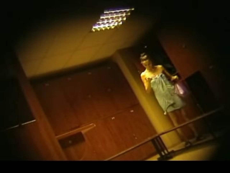 アダルトエロ動画|ヨーロッパ発! ロッカールーム潜入撮vol.2|のぞき本舗 中村屋
