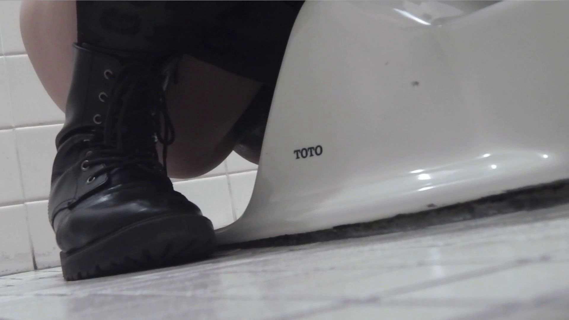 アダルトエロ動画|vol.19 命がけ潜伏洗面所!総合編|ピープフォックス(盗撮狐)